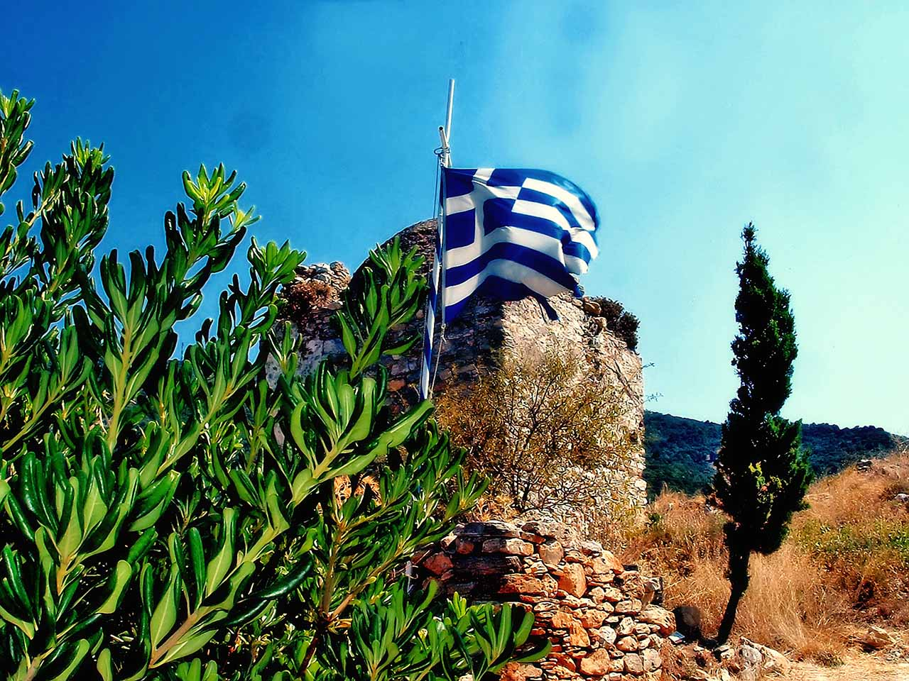 Greek flag at kastro