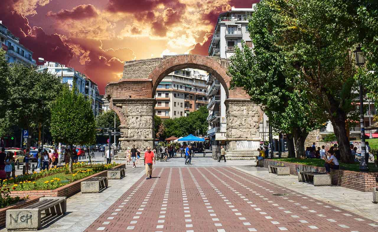 How to Move in Thessaloniki
