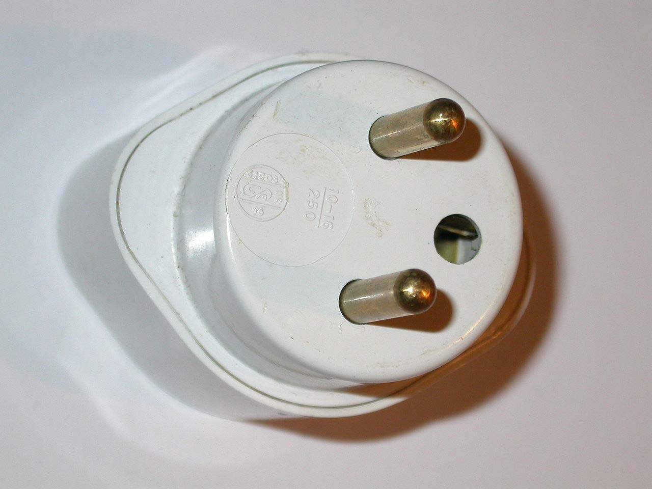 Pure french power plug
