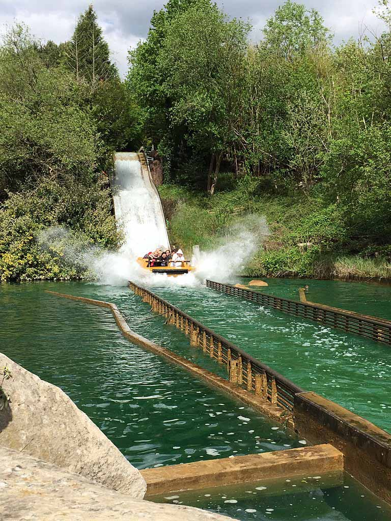 Attrazioni al Parco Asterix - Grande descente de l'attraction Grand Splash