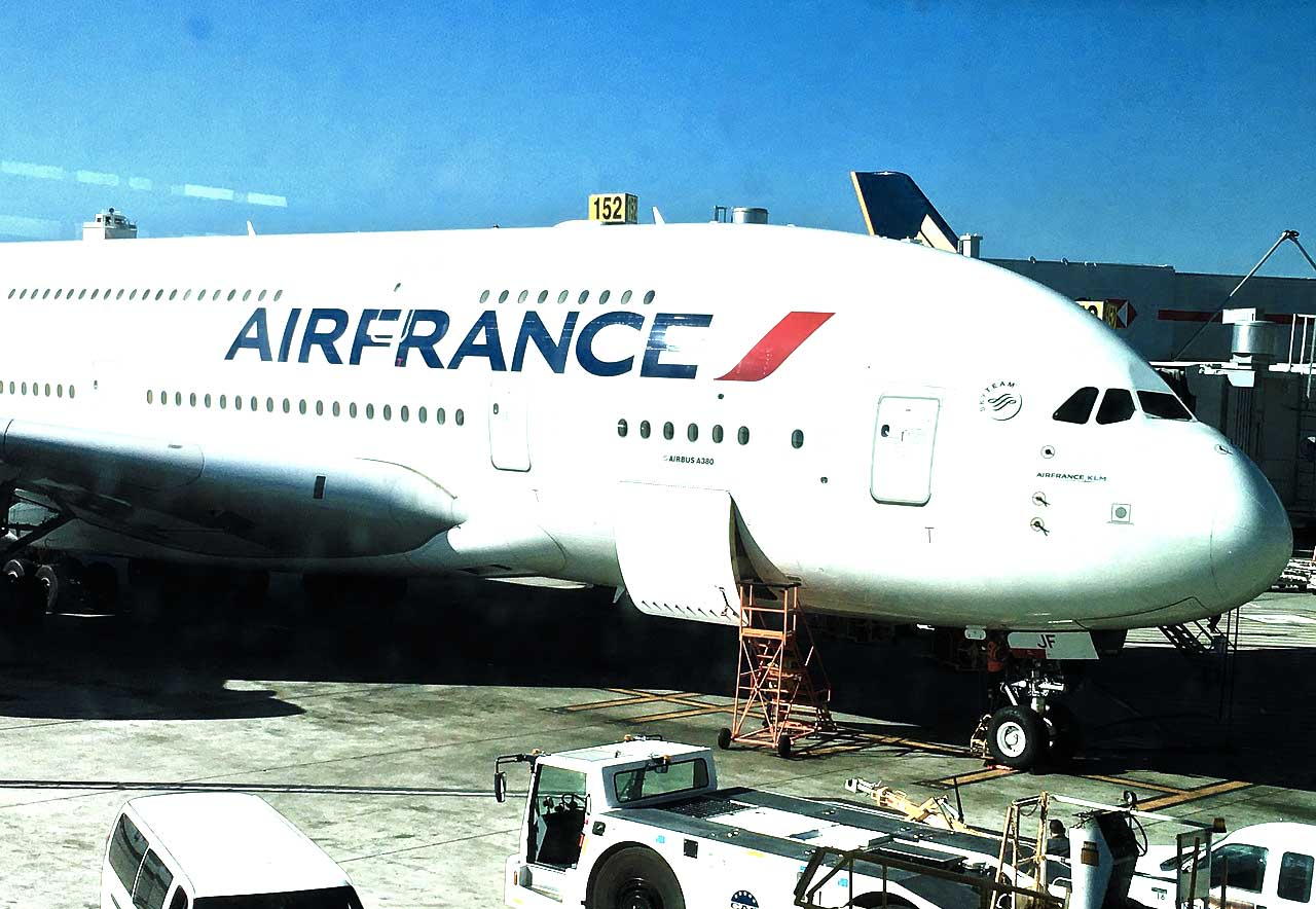 Boarding and check in Air France