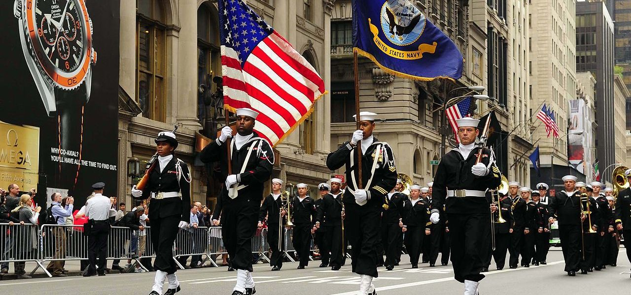 US_Navy_081013-N-5758H-061_Navy_Operation_Support_Center,_Bronx_Color_Guard_leads_the_64th_annual_Columbus_Day_Parade